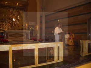 Benediction service - Simple Catholic