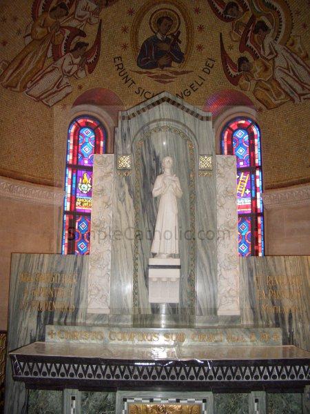 Church interior statue - Simple Catholic