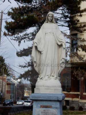 Statue of Mary - Simple Catholic